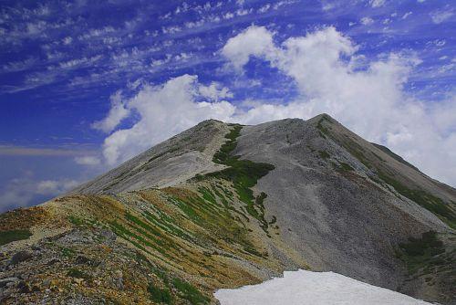 小蓮華山への縦走路